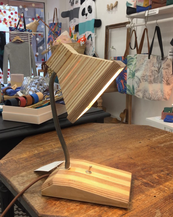 lampe bureau carre